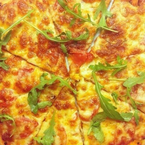 Пицца. Этот рецепт теста для пиццы, наконец, успокоил мой вкус.