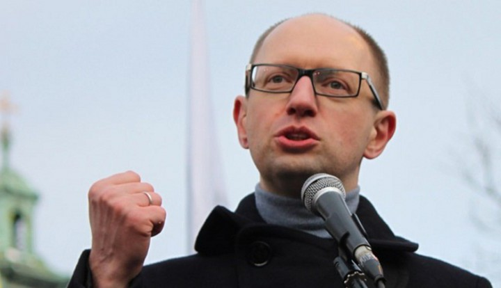 Яценюк: я не позволю России пройти по Украине и Германии, как во Вторую мировую