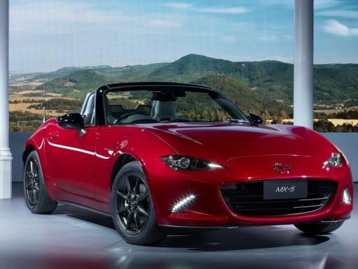 Новая Mazda MX-5 снова попытается стать лучшим доступным спорткаром