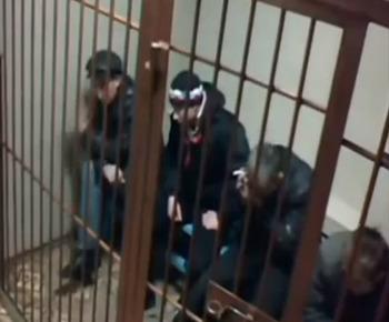 Смоленские школьники танцевали на голове погибшего мужчины