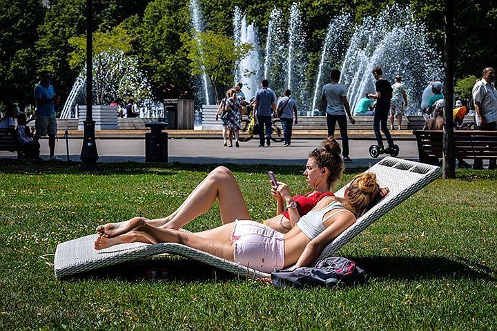 Среда стала самым теплым днем года в Москве