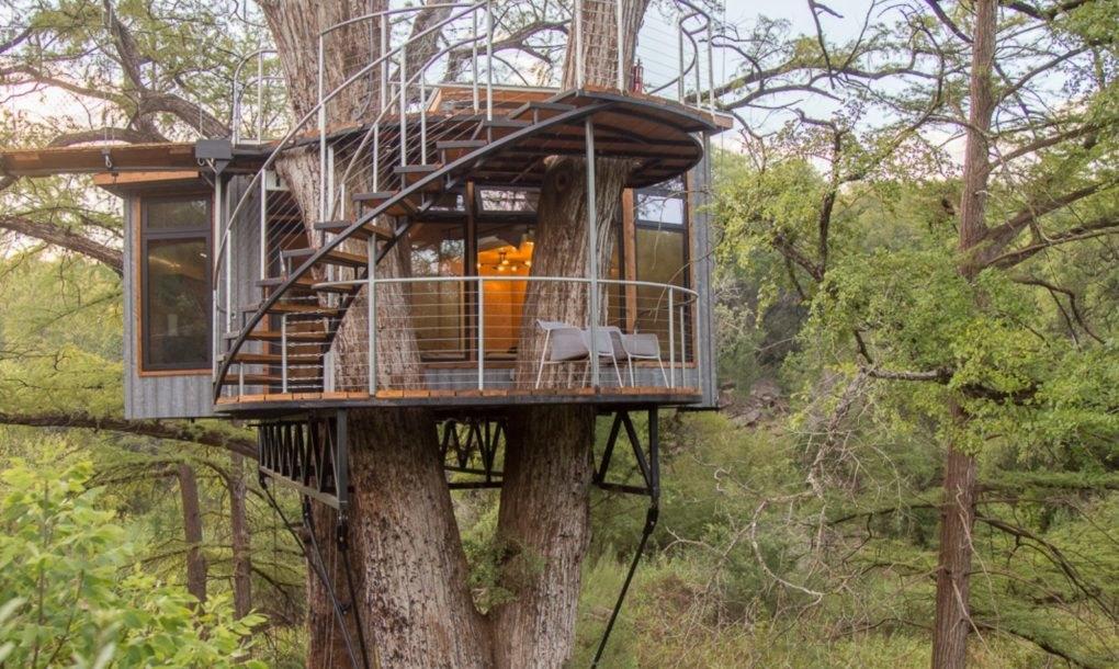Жить можно и не дереве: роскошный дом над землей