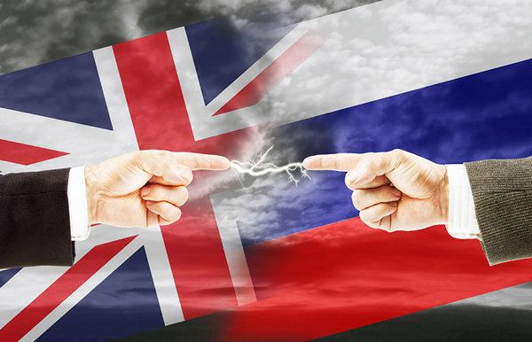 Сатановский: РФ взяла Британию за горло и ударила головой об стенку