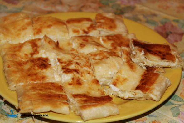 Быстрая, горячая, сырная закуска.