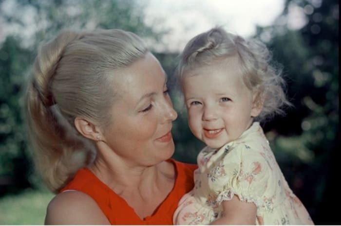 Вия Артмане. Актриса с дочерью Кристианой