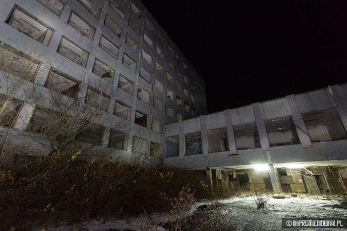 В Припяти впервые за три десятилетия включили свет: впечатляющие кадры Чернобыль, фотограф