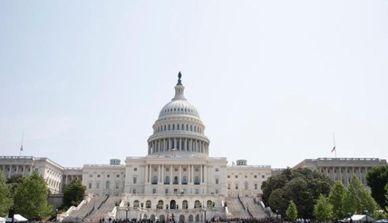 В США признали неэффективность санкций против России и предложили «ударить» по олигархам и политикам