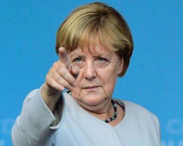 Меркель приехала в Киев «лом…