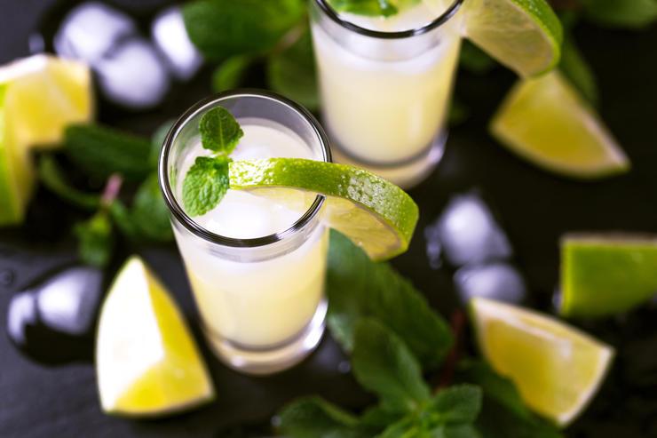 8 крепких напитков разных стран, которые обязательно нужно попробовать