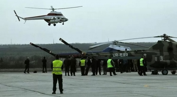 ВЗапорожье впервые поднялся внебо украинский вертолёт «Надежда»