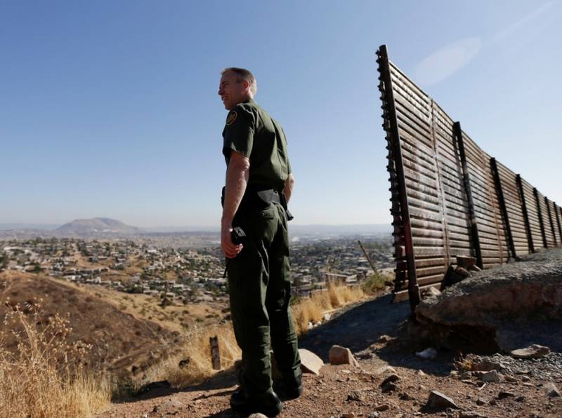 Трамп получил от Пентагона миллиард долларов на строительство стены