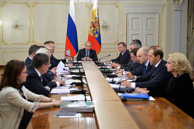 Путин проведет совещание с главами ЦБ, МЭР, Минфина
