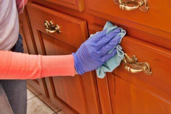 8 проверенных способов устранить царапины на мебели