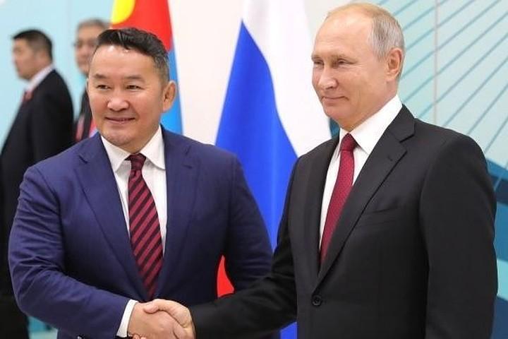 Путин выразил удовлетворение поступательным развитием отношений с Монголией
