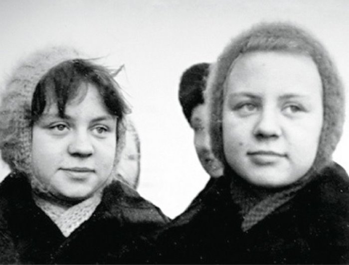 Когда сестры Юкины подросли, их уже не приглашали сниматься в кино | Фото: chtoby-pomnili.com