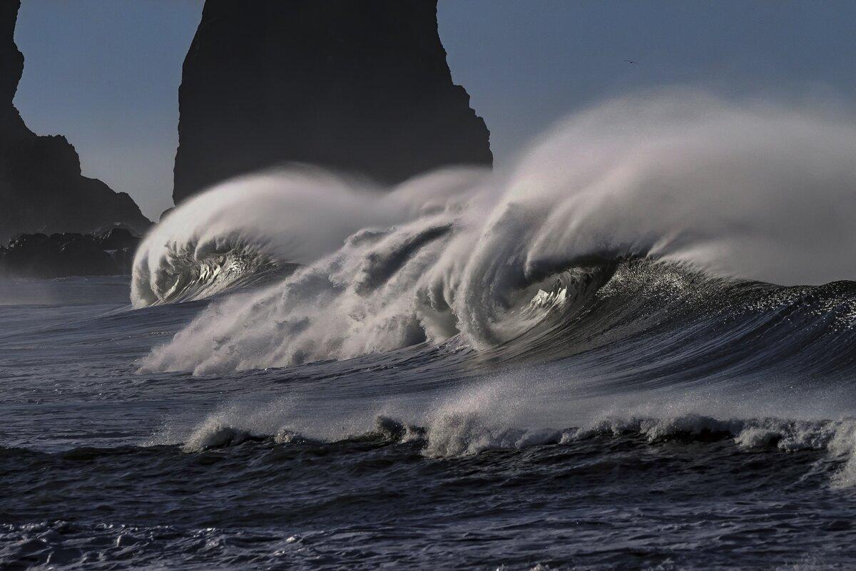 Почему Тихий океан называется так, если он далеко не тихий?
