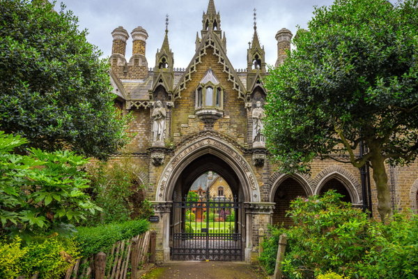 Хайгейтское кладбище — одно …