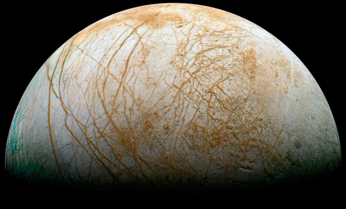 Спутник Юпитера Европа может быть покрыта «ледяными иглами»