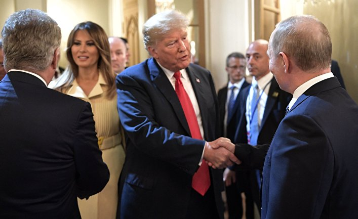 «Это была госизмена», — СМИ США и Великобритании о встрече Путина и Трампа