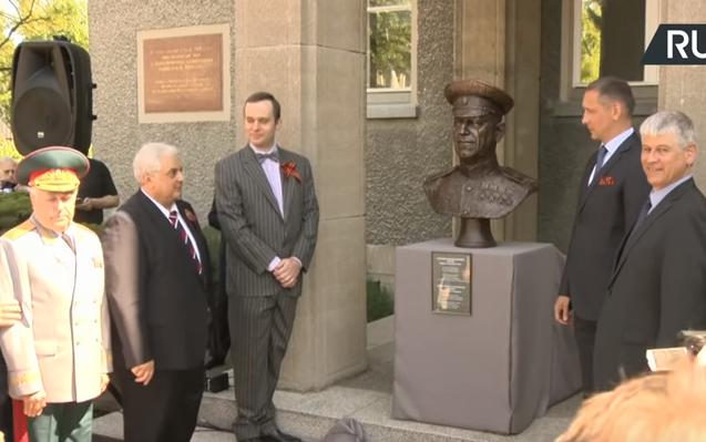 Чтобы помнили: в Берлине торжественно открыли памятник маршалу Победы Жукову