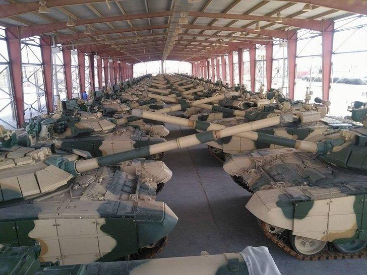 Российские танки Т-90С и ЗРПК «Панцирь-С1» прибыли в Ирак
