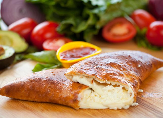Кальцоне: рецепт домашней закрытой пиццы