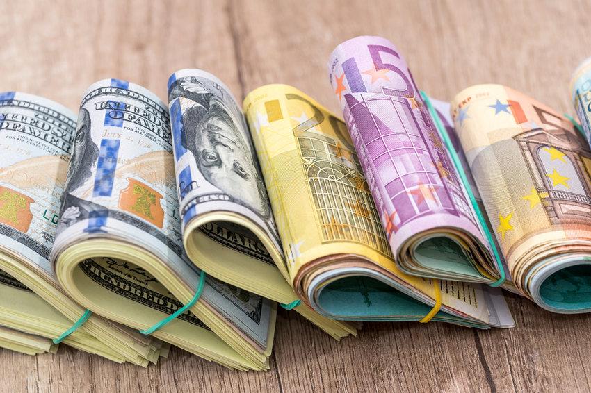 ЦБ объявил о возможном возобновлении покупок валюты с 15 января