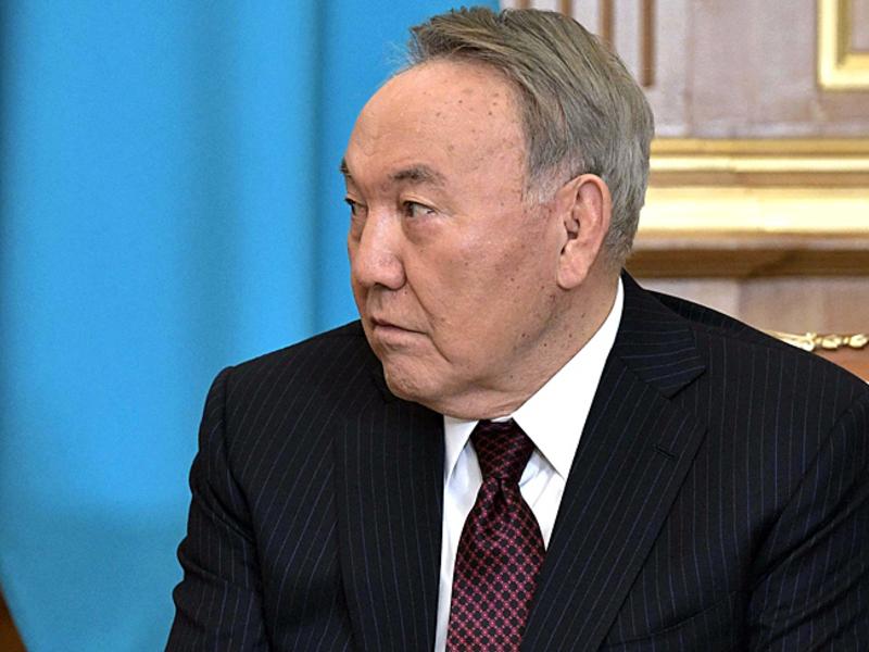 Порвать с советским прошлым: Назарбаев подписал указ о переводе казахского алфавита на латиницу