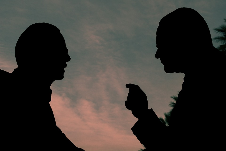 Учитесь мало говорить — слова и мысли влияют на нашу жизнь