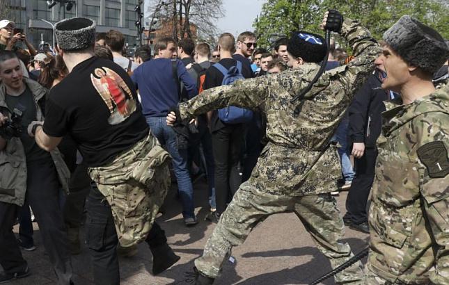 Алексеева: Организаторы не должны нести ответственность за детей на митингах