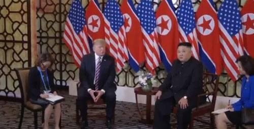 Трамп встретился с Ким Чен Ыном и сообщил ему о потенциале экономики КНДР