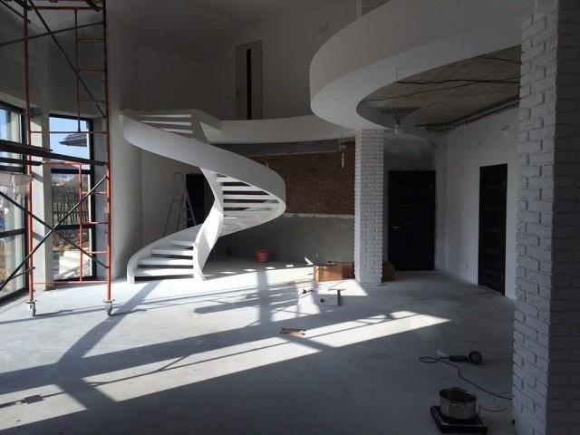 Каркас для лестницы из бетон…