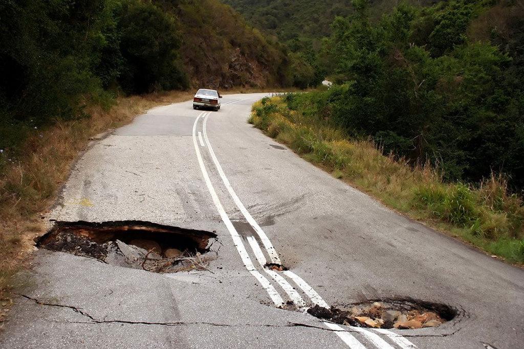 Дорожная и мостовая инфраструктура Украины на грани полного разрушения