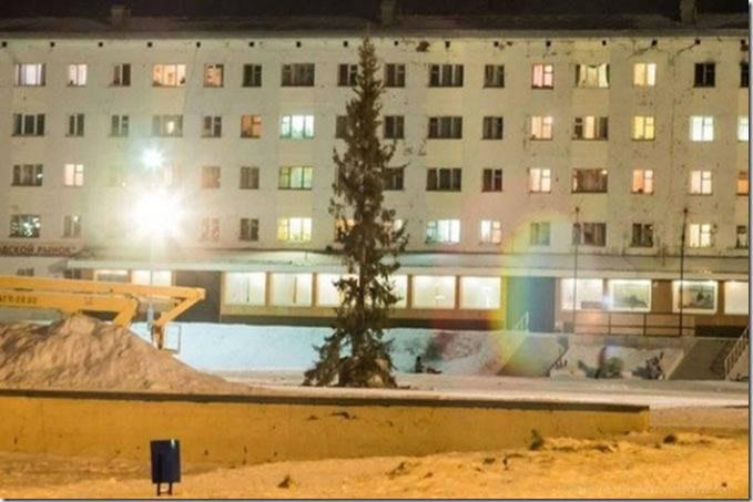 Главная елка городка Гаджиево, Мурманская область