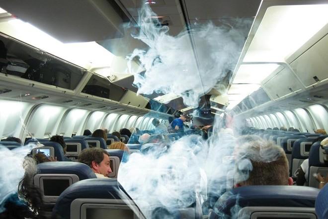 Последнее желание: Ленинградский областной суд фактически разрешил курить в самолётах