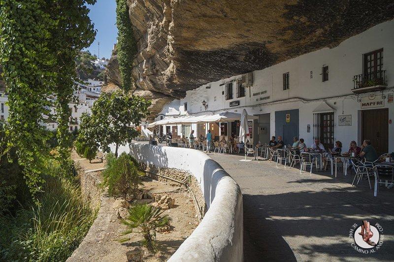 Удивительный городок в скале: Сетениль-де-лас-Бодегас Сетениль-де-лас-Бодегас, в мире, город, красота, путешествие, скала