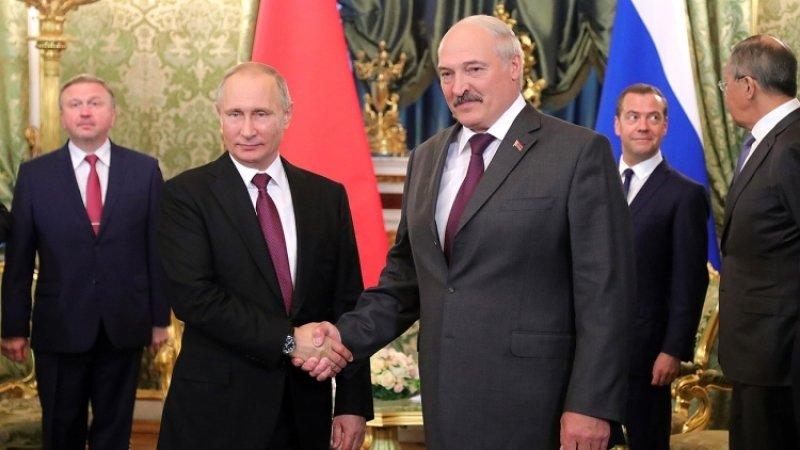 Лукашенко анонсировал встречу с Путиным