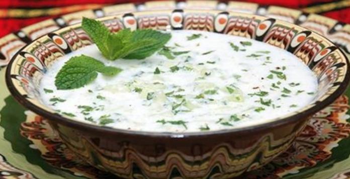 В преддверии лета, отдыха и жары — готовим необычный турецкий суп с огурцами. Освежающий, тонизирующий и очень сытный