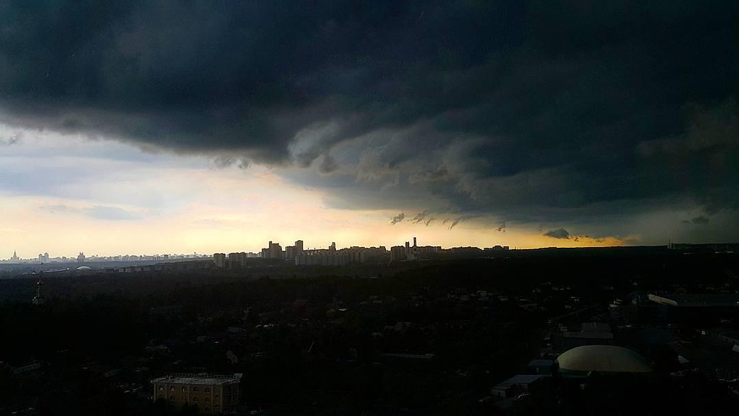"""""""Ветхозаветный"""" ураган в Москве"""