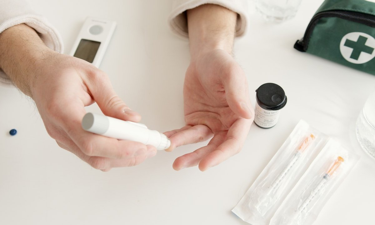 Симптомы диабета 2 типа: папилломы на коже могут быть сигналом высокого сахара