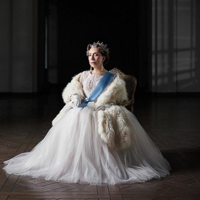Инна Чурикова вроли королевы Великобритании