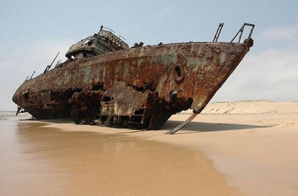 """Секретное оружие РФ """"зашвырнуло корабли США"""" на сушу. Слухи"""