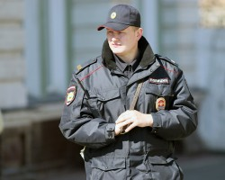Госдума расширит полномочия полицейских и разрешит им стрелять в женщин