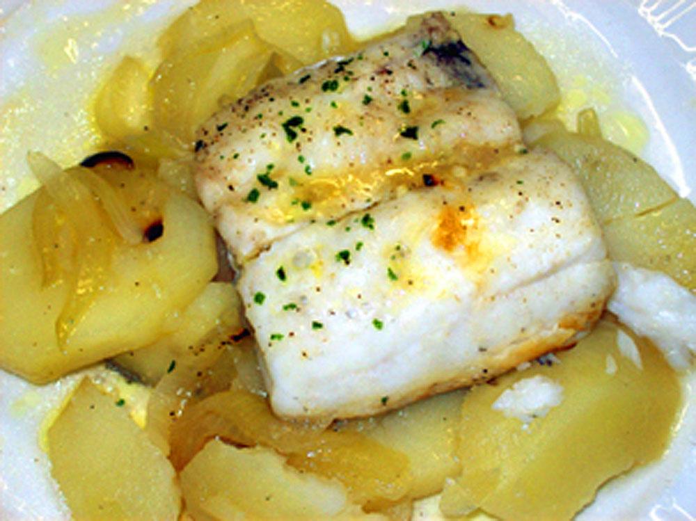Как приготовить рыбу хек в духовке: самый вкусный рецепт