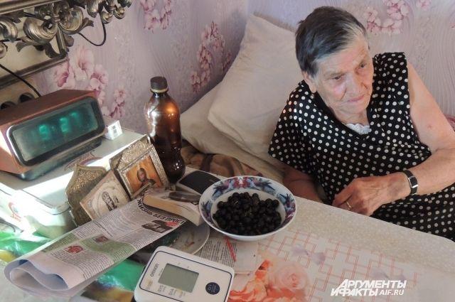 Суровая челябинка. 91-летняя пенсионерка выжила после укусов гадюки