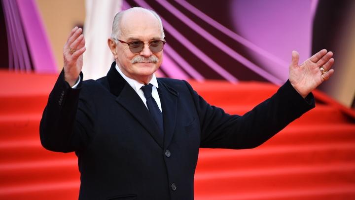 О чём стыдливо молчат противники новой Конституции России? Никита Михалков перечислил все пункты