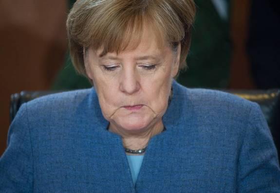 Ангела Меркель треснула – Ев…