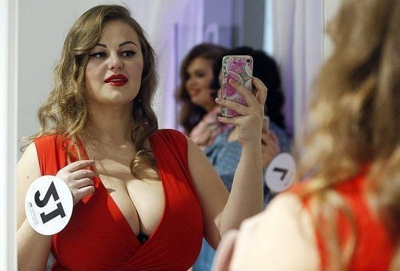 «Мисс Украина Плюс Сайз» - девушки с большими формами покорили интернет