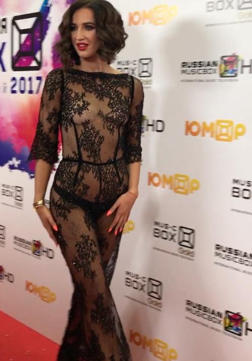 Ольга Бузова в прозрачном платье появилась на церемонии вручения премии Russian Musicbox