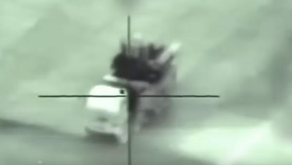 На записи видно, как быстро приближается ракета.